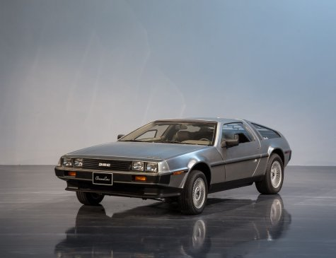 1982 DMC12  Delorean